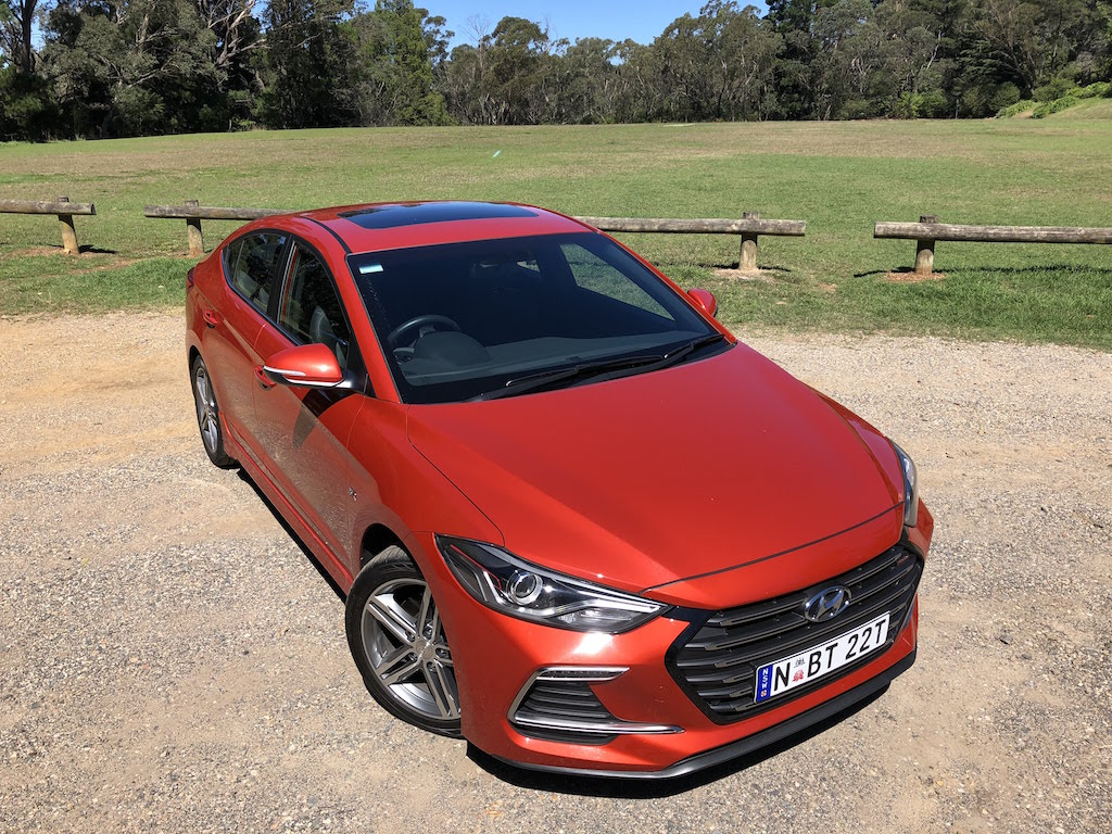 2018 Hyundai Elantra SR Turbo Review | Practical Motoring