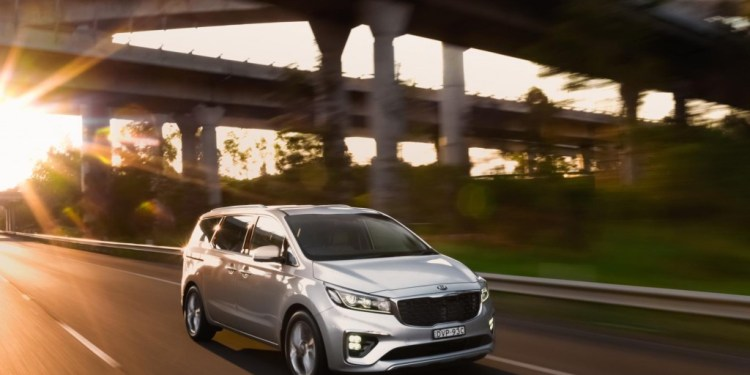 refreshed 2018 Kia Carnival