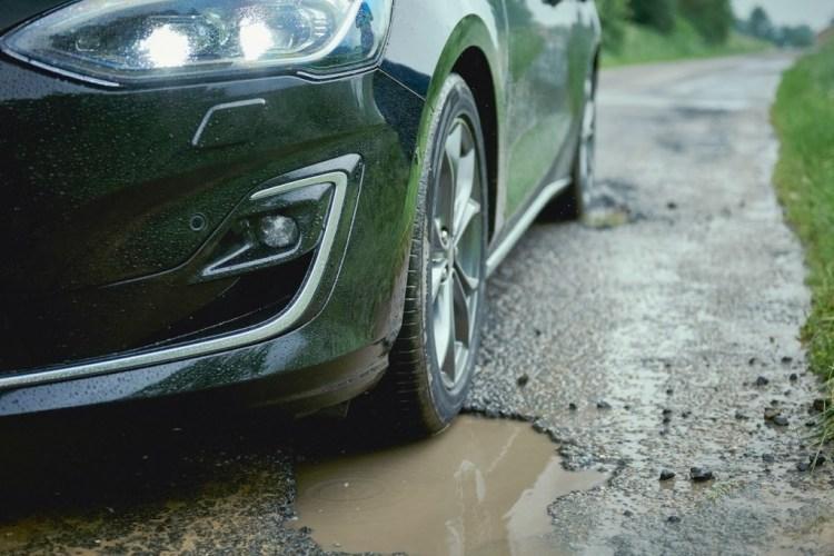 Ford Focus gets pothole detection technology, no, it's not April 1