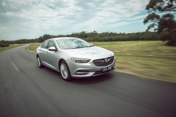 2018 Holden Commodore VXR - Technical Details Explained | Practical