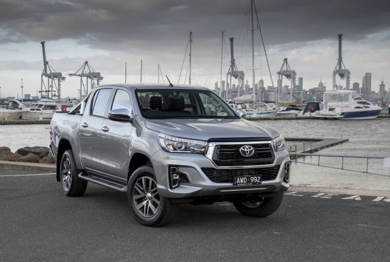 TOYOTA HILUX SR AND SR5 GET NEW NOSE AND DPF MANUAL BURN SWITCH