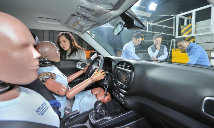 Hyundai has developed the world's first multi-collision airbag which it says will be rolled out across Hyundai and Kia in the coming years.