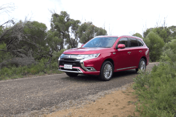 2019 Mitsubishi Outlander PHEV Review by Practical Motoring