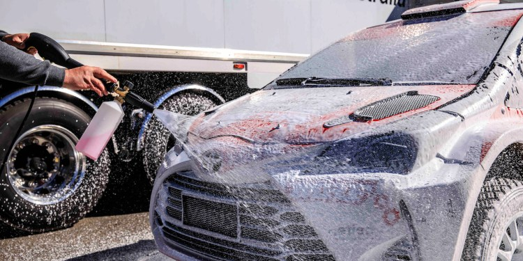 Polar Wash, for a clean and glossy finish.