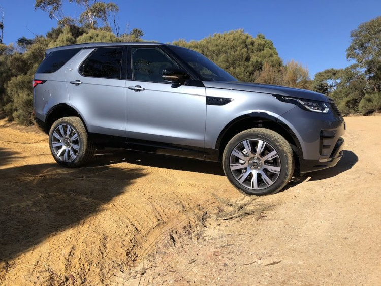 2019 Land Rover Discovery 3.0 HSE SD6 Review