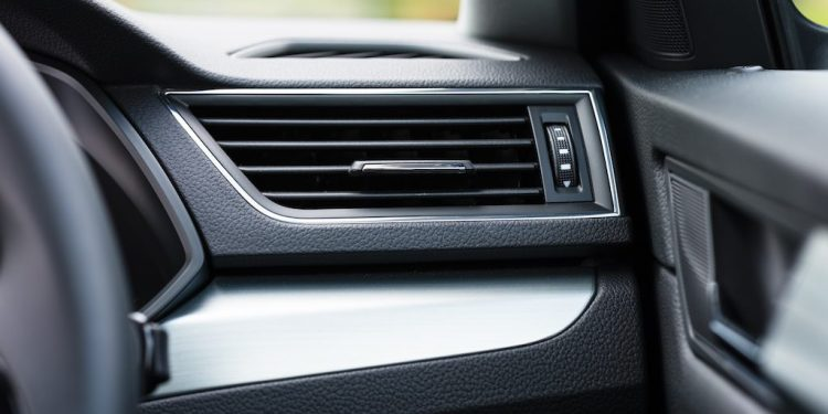 how does car air-conditioning work