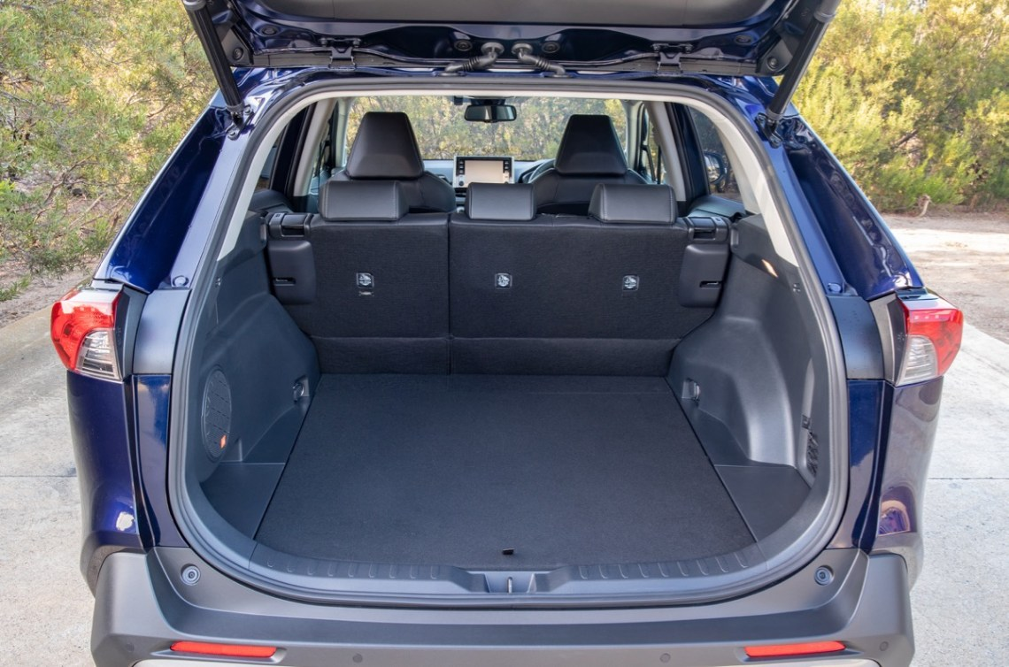 Toyota Rav4 Hybrid  boot