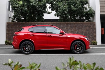 Alfa Romeo stelvio q street
