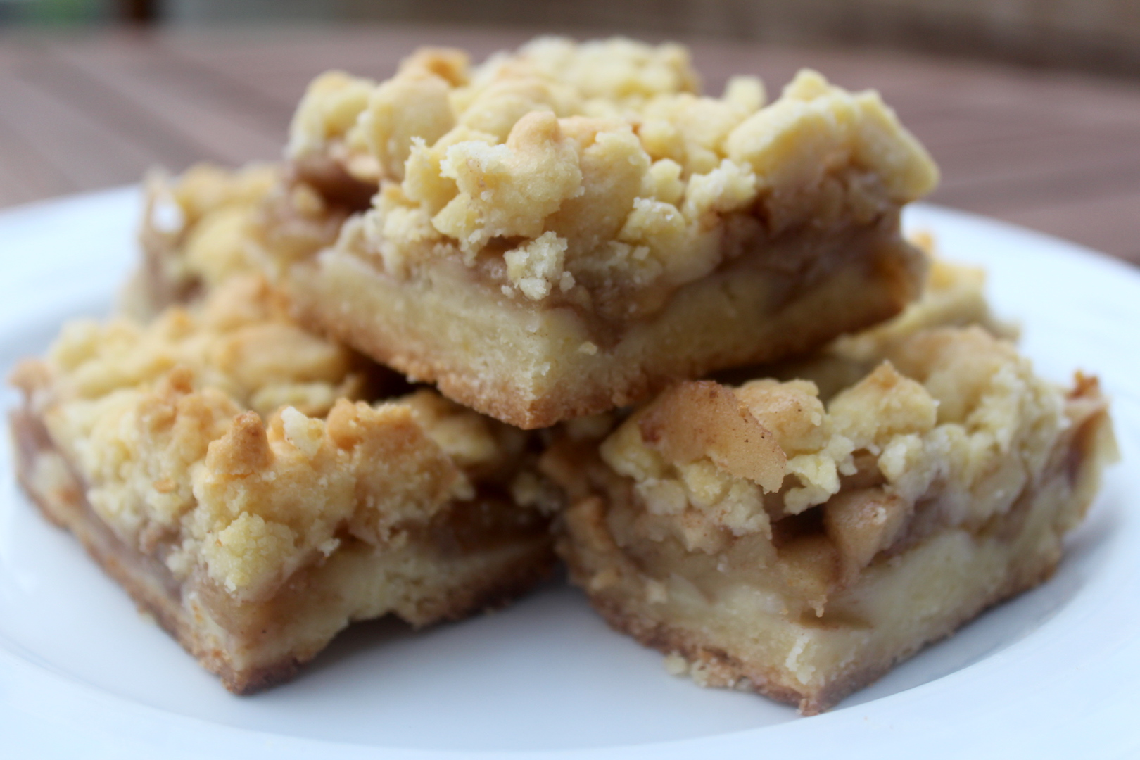 Apple Shortbread with Crumb Topping