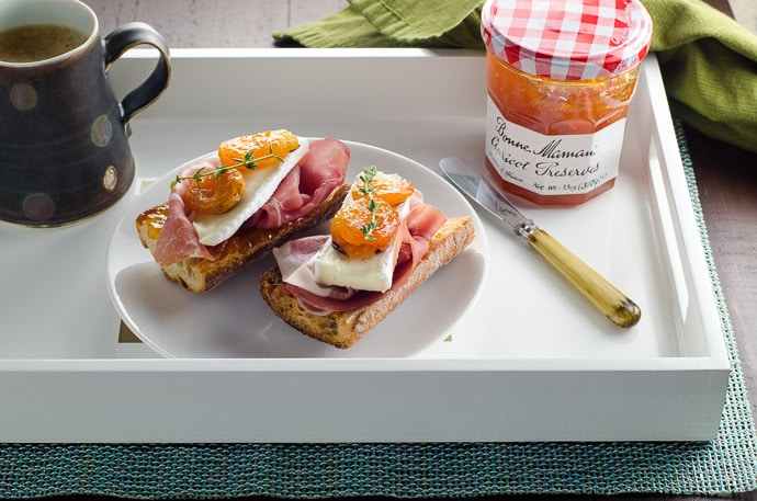 Prosciutto and Brie Toasts from Umami Girl