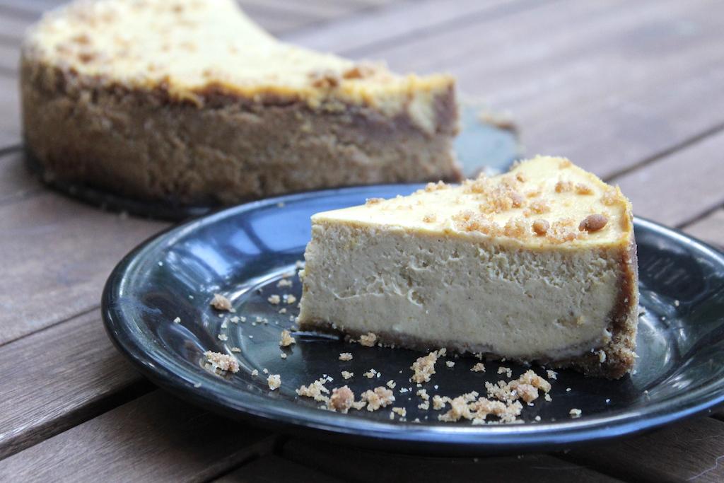 Easy Homemade Pumpkin Cheesecake