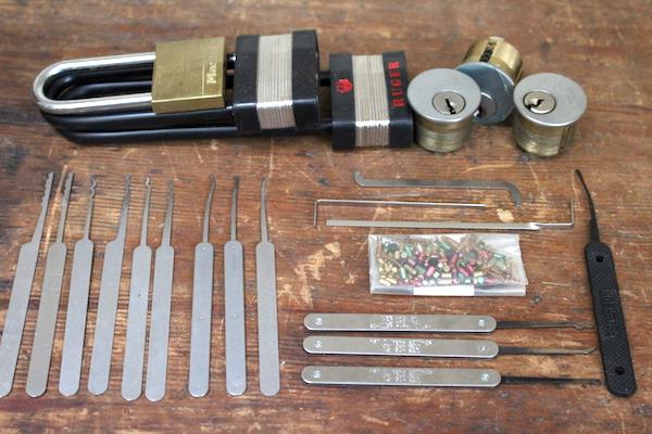Lock picking Equipment