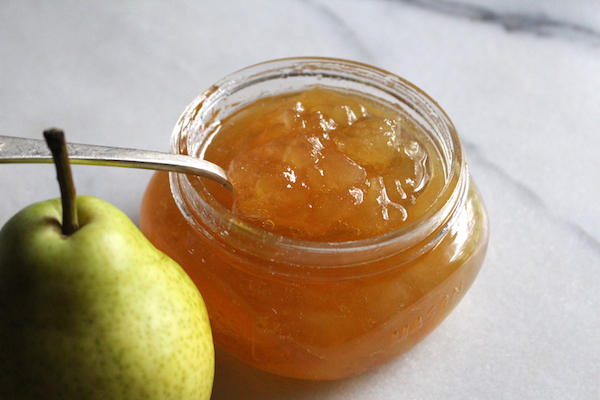 Homemade pear jam without added pectin