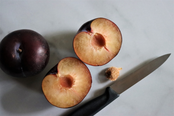 freestone plums may be canned in halfs or as whole plums