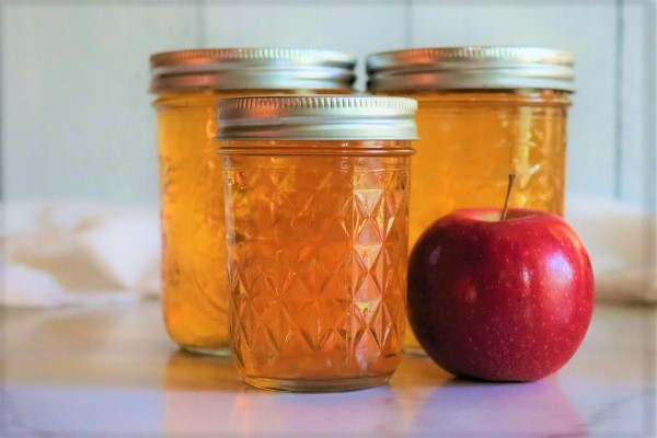 Home canned apple juice