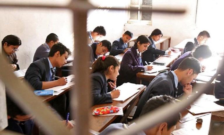 ऐँसेलुखर्कका सबै विद्यालयको कक्षाकोठा धुलोरहित बनाइँदै