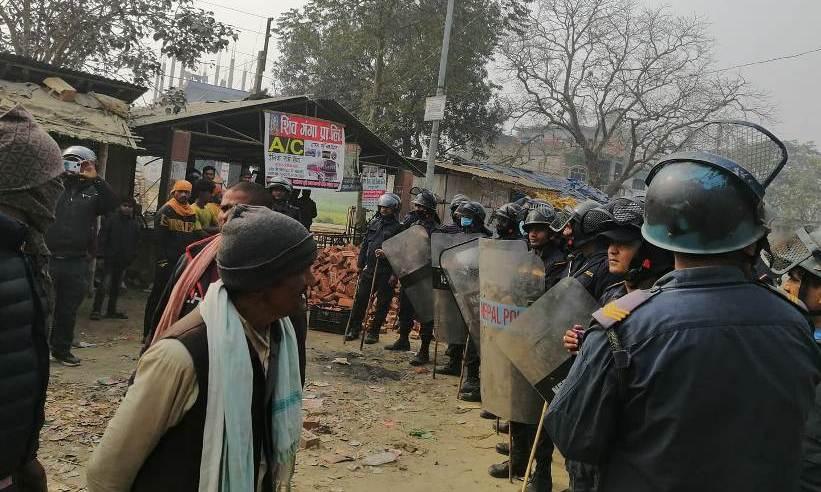 नेकपा प्रचण्ड–नेपाल समूहका कार्यकर्ता र कांग्रेस कार्यकर्ताबीच झडप