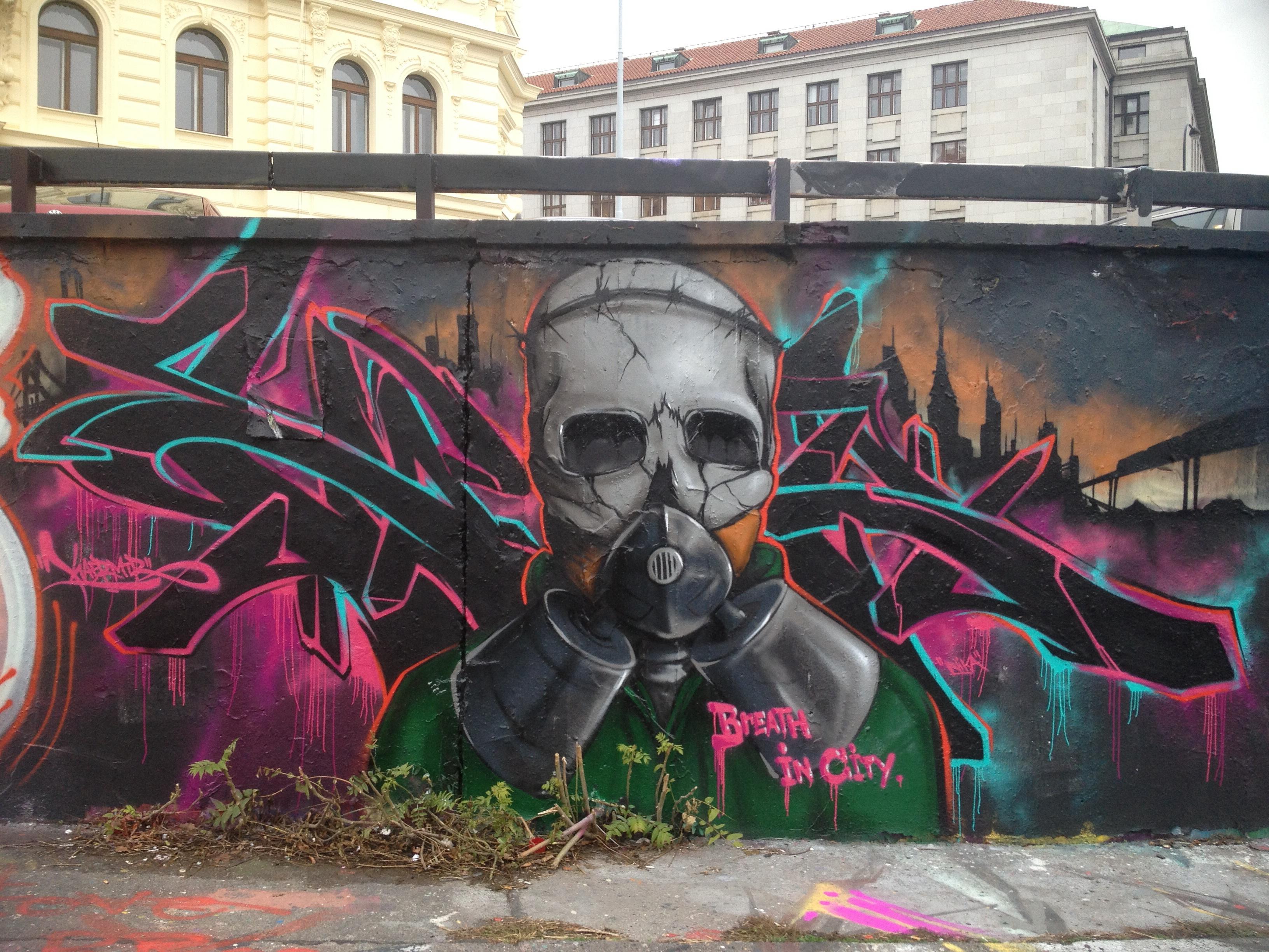 Graffiti PRAGUE POT