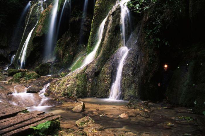 Cheile Nerei Beusnita National Park-prahub