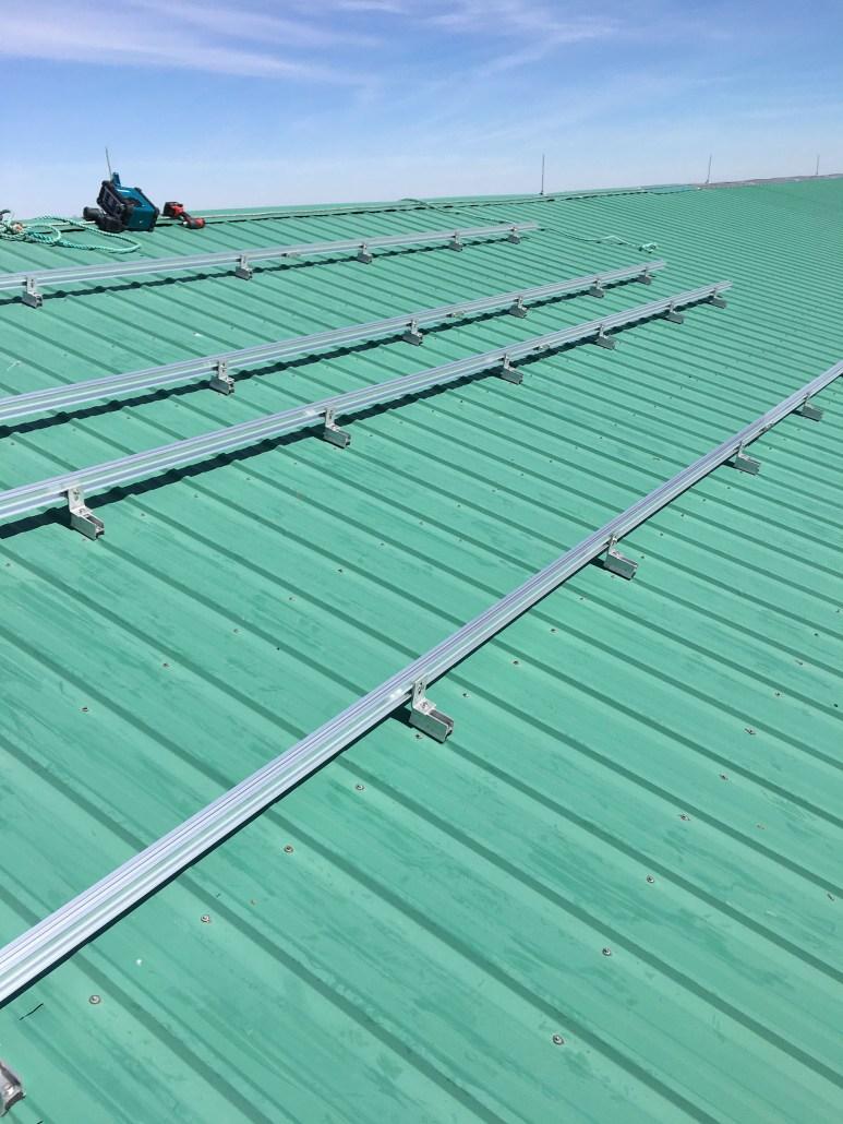 Installing solar panels in Moose Jaw