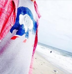 t shirt on beach