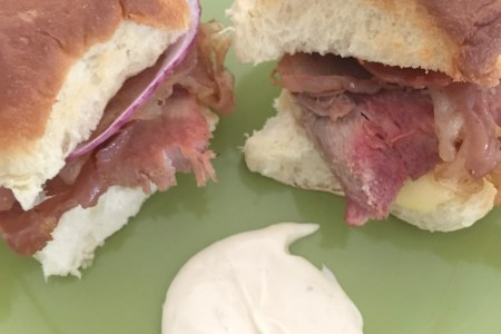 ham and cheese baked sliders and aioli sauce