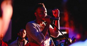[MUSIC] Travis Greene - Great Jehovah