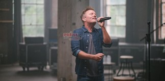 [MUSIC VIDEO] Chris Tomlin - Miracle Of Love
