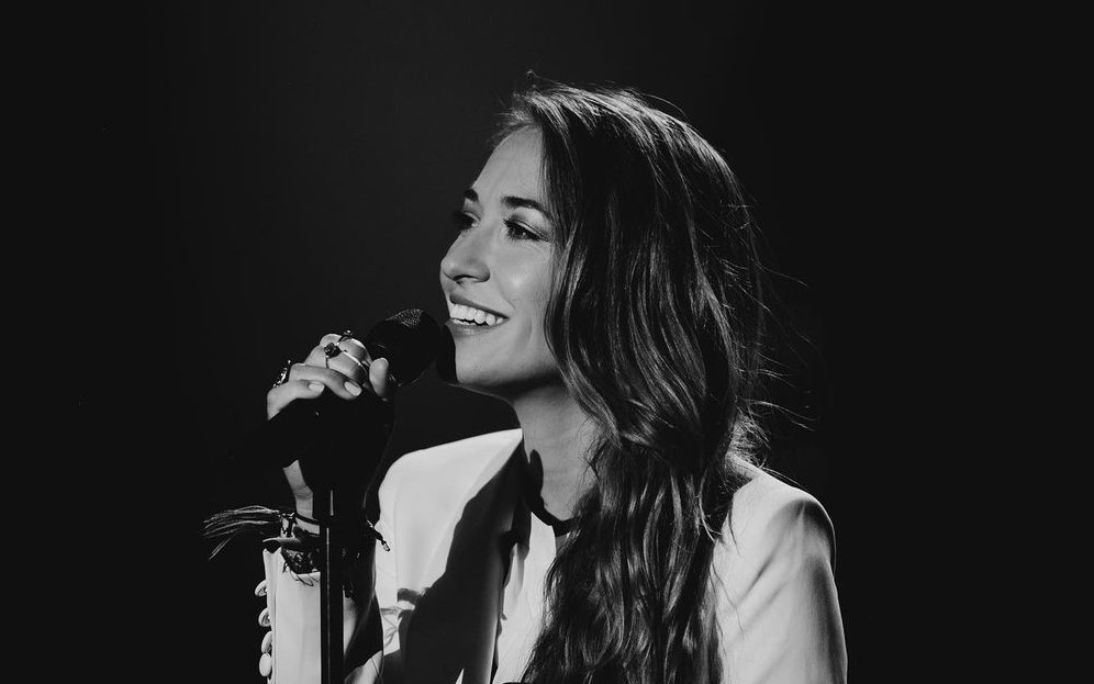 Lauren Daigle - Hold On To Me