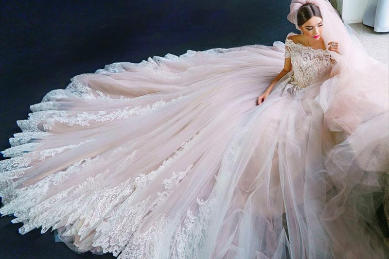 27 Princess-worthy Ball Gowns That Define Regal Elegance