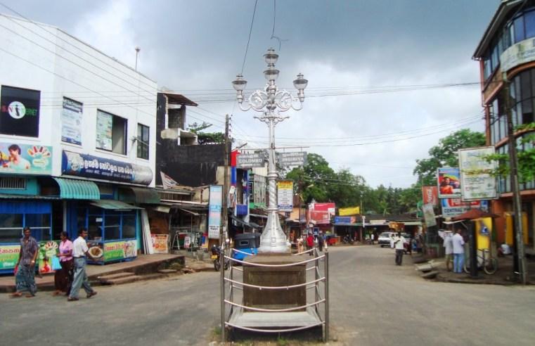 Padukka gas lamp post
