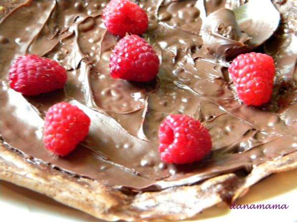 clatite cu ciocolata si zmeura