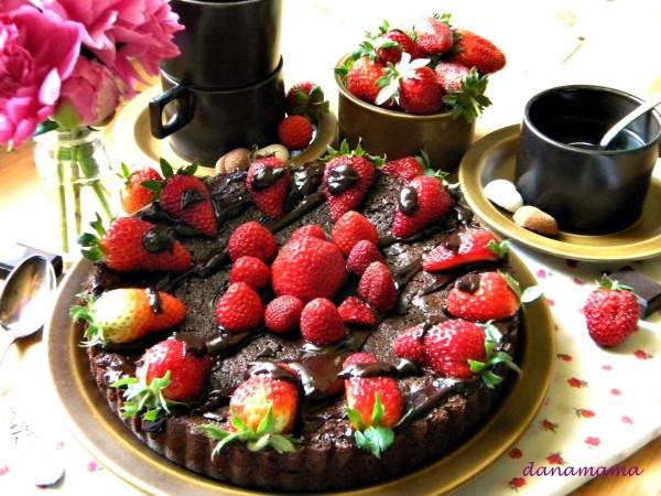 tarta cu ciocolata si capsune3bun