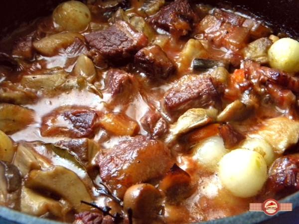 carne de vită bourguignon3