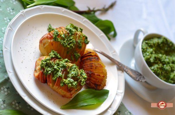 Cartofi hasselback cu pesto de leurda3