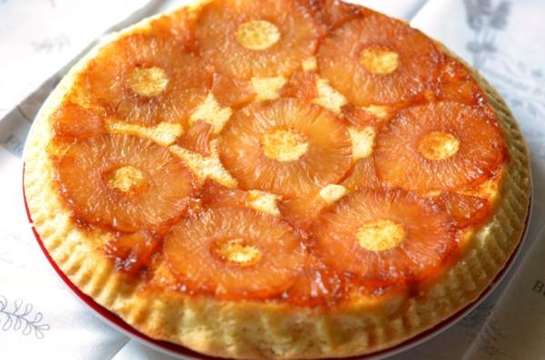 prajitura cu ananas caramelizat