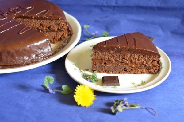Tort Sacher14