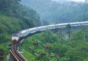 train-indonesia-jakarta-bandung-300x206