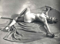 Marilyn-Monroe-Jataraparivartanasana-Supine-Twist1