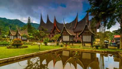 rumah adat sumatera barat, gadang ampek baanjuan