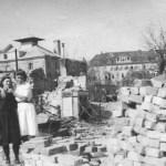 Liselotte Lang und Mutter Helene nach dem Angriff, Prater 34 (heute 93), 1945