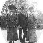 v.l.n.r.: Tochter Maria, Otto Kobelkoff und Tochter Rosa