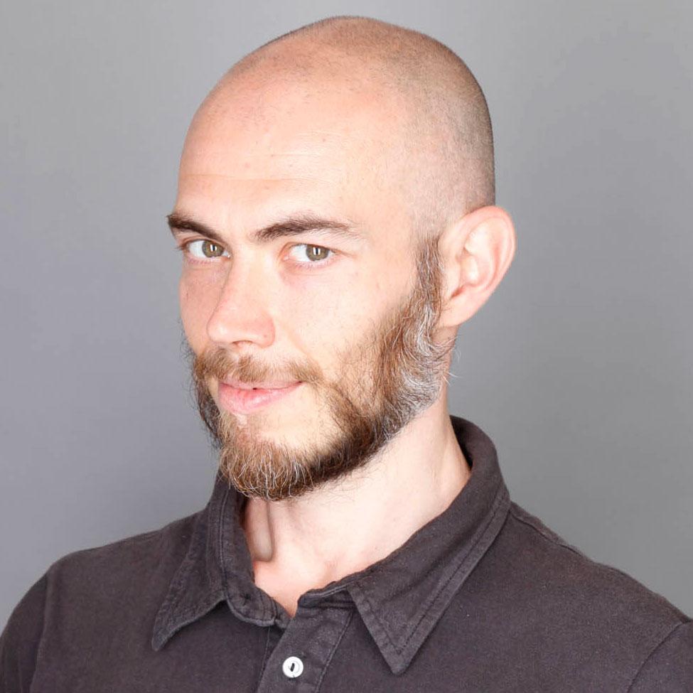 Daniele Guainazzi - Counselor Somatorelazionale, insegnante di Bioenergetica e Yoga