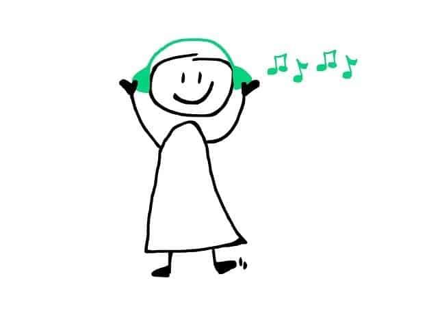 e832b10f2cfd013ecd0b470de7444e90fe76e6dd18b4194793f3c4_640_listening-to-music