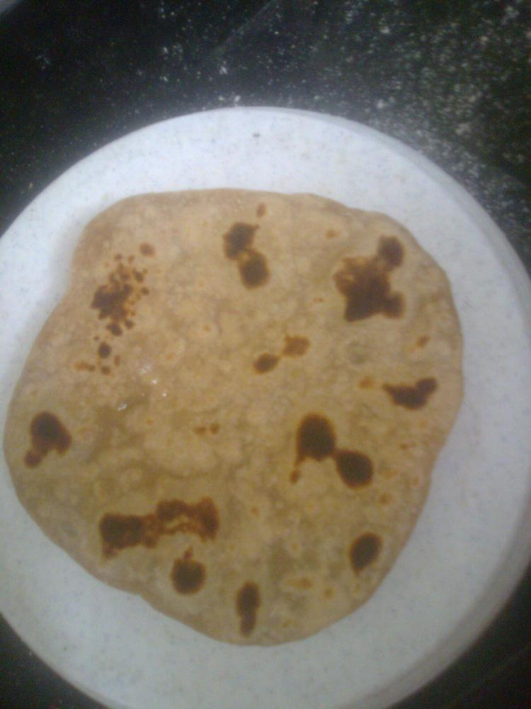 The making of my first 'Chapati' (2/4)