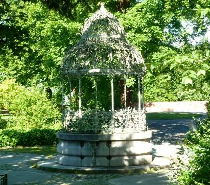 Belle epoque bandstand