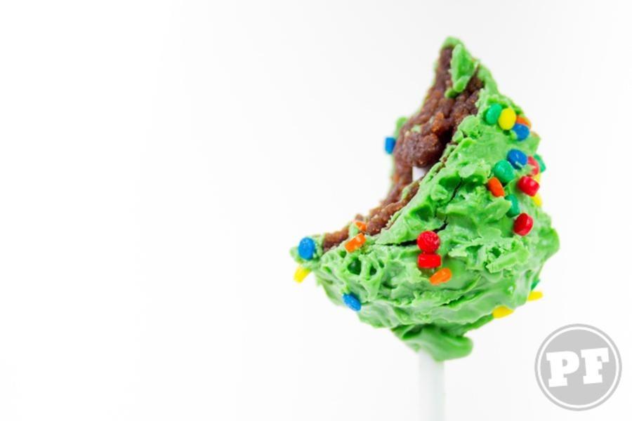 Cake Pop Pinheirinho: Bolinho de Natal por PratoFundo.com