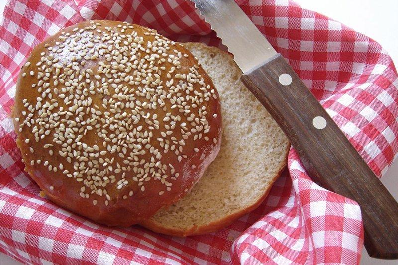 Pão de Leite Fácil e Prático por PratoFundo.com