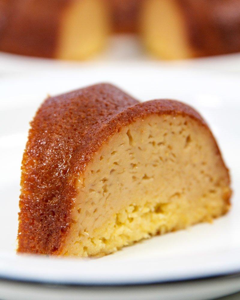 Pedaço de bolo de milho