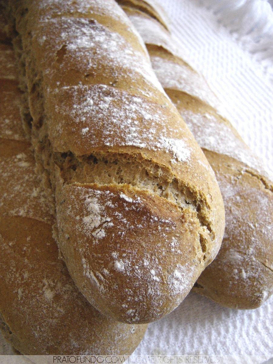 Três pães um em cima do outro